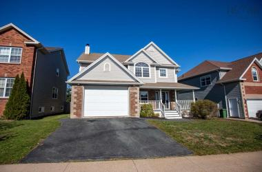 199 Starboard Drive, Halifax, NS B3M 4V4, 4 Bedrooms Bedrooms, ,4 BathroomsBathrooms,Residential,For Sale,199 Starboard Drive,202021335