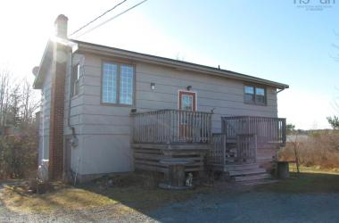 5106 Highway 7, Porters Lake, NS B3E 1J3, ,Commercial,For Sale,5106 Highway 7,202024541