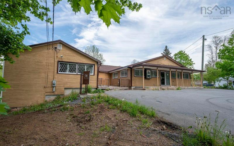 1034 Highway 215, Brooklyn, NS B0N 2A0, ,Commercial,For Sale,1034 Highway 215,202024751