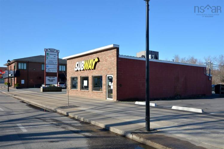 183 COMMERCIAL Street, Berwick, NS B0P 1E0, ,Commercial,For Sale,183 COMMERCIAL Street,202025872