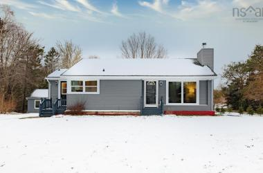 10486 Peggys Cove, Glen Margaret, NS B3Z 3G8, 3 Bedrooms Bedrooms, ,2 BathroomsBathrooms,Residential,For Sale,10486 Peggys Cove,202100180