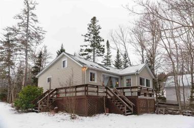 23 Mackerel Cove Road, Tantallon, NS B3Z 2N8, 4 Bedrooms Bedrooms, ,2 BathroomsBathrooms,Residential,For Sale,23 Mackerel Cove Road,202100280