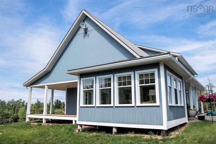 1482 North Shore Road, North Shore, NS B0K 1E0, 3 Bedrooms Bedrooms, ,3 BathroomsBathrooms,Residential,For Sale,1482 North Shore Road,202100352