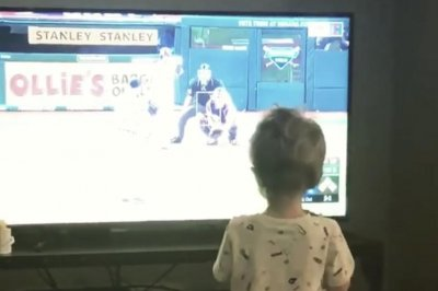 Watch: Yonder Alonso shares video of son going crazy after dad's grand slam Watch: Yonder Alonso shares video of son going crazy after dad's grand slam Yonder Alonso shares video of toddler son celebrating grand slam