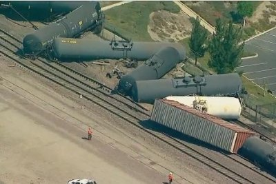 Freight Train Derails In Southern California Spills