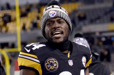 Pittsburgh Steelers' Antonio Brown recruits Dez Bryant on social media Pittsburgh Steelers Antonio Brown recruits Dez Bryant on social media
