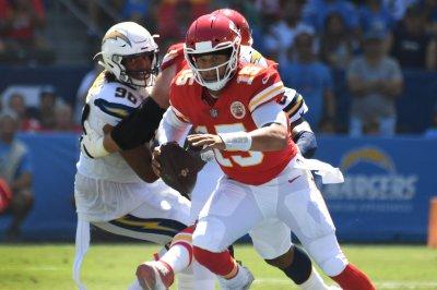 Broncos aim to slow red-hot Patrick Mahomes, Chiefs Broncos aim to slow red hot Patrick Mahomes Chiefs