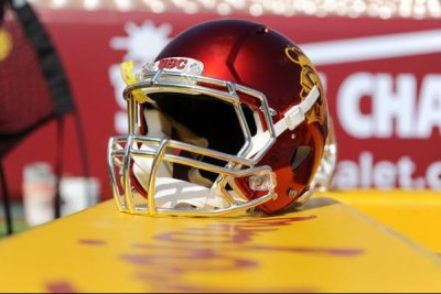 Report: USC LB Gustin to undergo knee surgery Report USC LB Gustin to undergo knee surgery