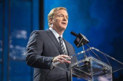 NFL revenue up in 2017 despite lower TV ratings NFL revenue up in 2017 despite lower TV ratings