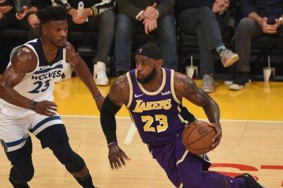 Lakers, LeBron James visit Sacramento Lakers LeBron James visit Sacramento