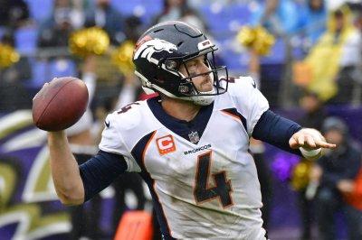 Struggling quarterbacks meet when Jets host Broncos Struggling quarterbacks meet when Jets host Broncos