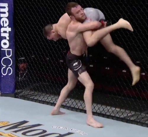 Post image of Боец UFC победил после «Канадского разрушителя»