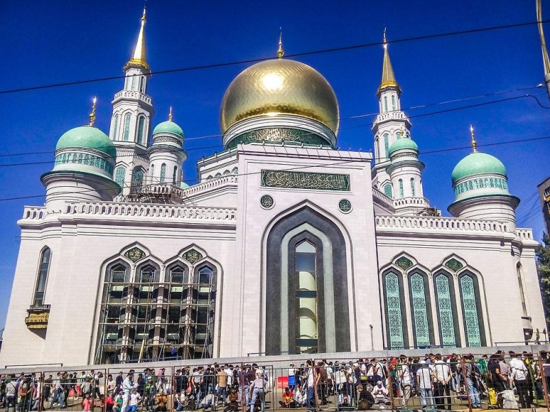 https://i1.wp.com/cdnph.upi.com/sv/b/i/UPI-8481443019588/2015/1/14430199037171/Putin-helps-open-Moscow-mosque-billed-as-biggest-in-Europe.jpg