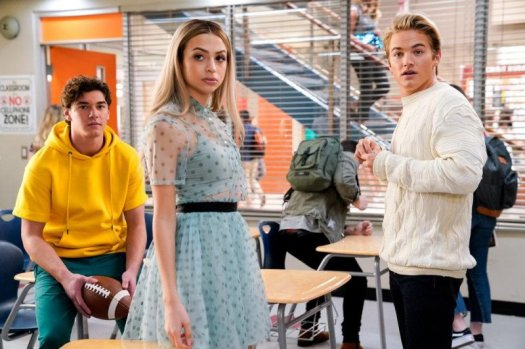 Interview: Cast says 'Saved By the Bell' finds humor in ...