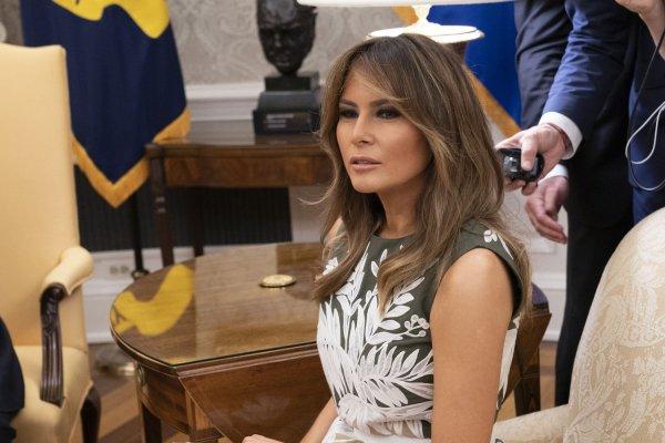 Melania Trump makes surprise visit to Texas to tour border ...