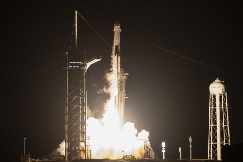 SpaceX, NASA prepare to make history with evening launch ...