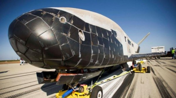 Space plane X37B returns to Earth UPIcom