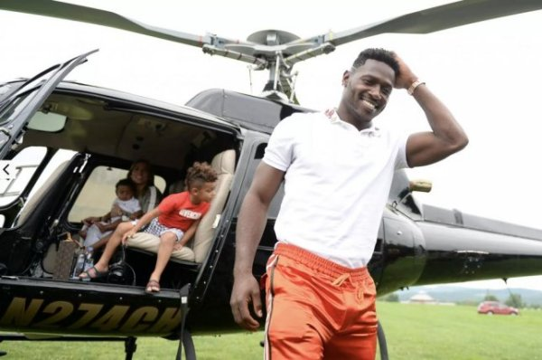 Watch: Antonio Brown choppers into Pittsburgh Steelers ...