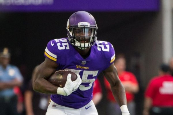 Latavius Murray helps Minnesota Vikings knock off Los ...