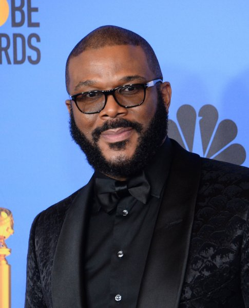 Tyler Perry Studios feeds 5,000 families for Thanksgiving - UPI.com