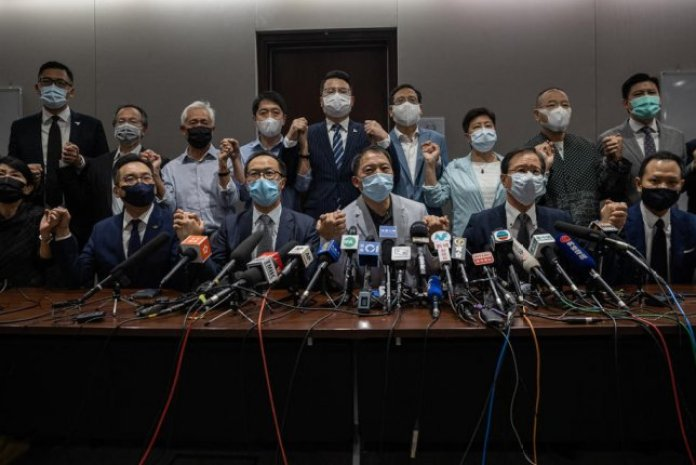 All opposition lawmakers resign in Hong Kong to protest Chinese law -  UPI.com