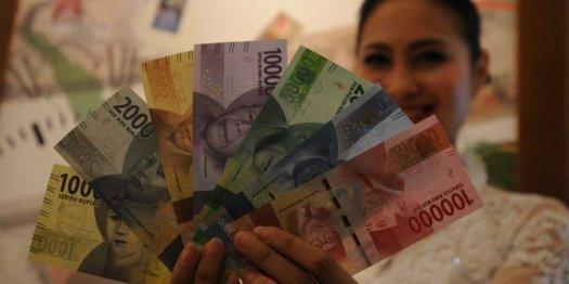 Rupiah dibuka anjlok ke posisi Rp 13.393 per USD