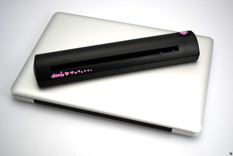 Doxie the portable scanner ready to ship worldwide