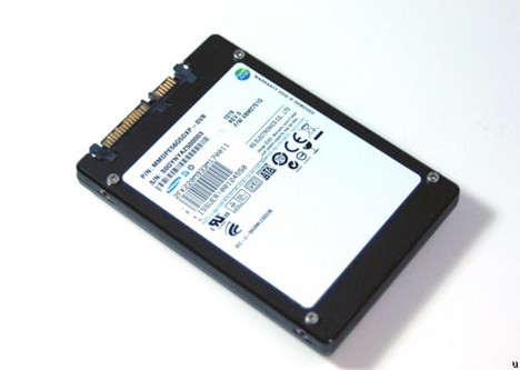 Samsung 512GB solid state drive relies on toggle-mode DDR NAND flash memory
