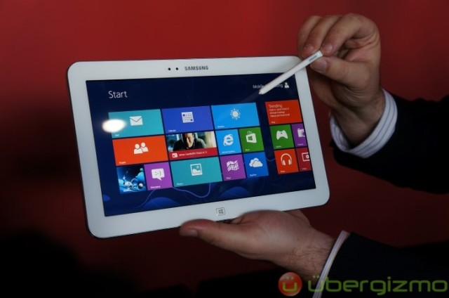 Galaxy-Tab-3-Hands-On-Review-1