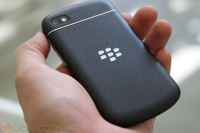 blackberry-q10-unboxing-17