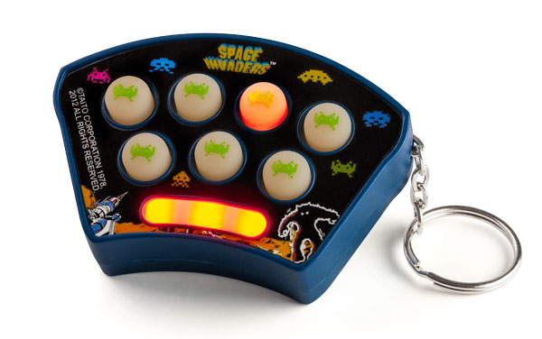 space-invaders-keychain-game