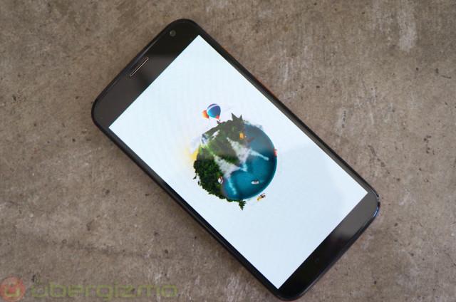 ubergizmo-moto-x-smartphone-11