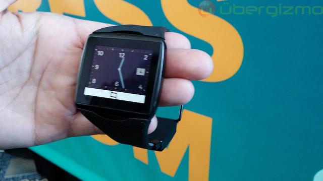 qualcomm-toq-smartwatch-01