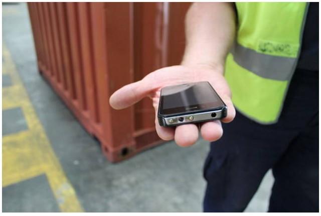 iphone 4 taser