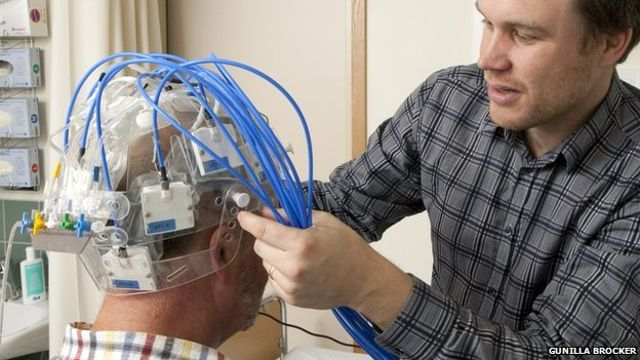 stroke-detecting-helmet
