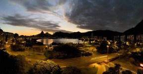 Pôr do Sol na Lagoa Rodrigo de Freitas, no Rio de Janeiro