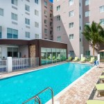 Piscina do Staybrigde Suites, hotel em Miami