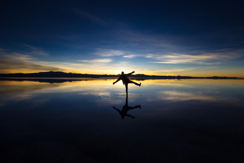 Fotos com esse efeito espelhado são a grande atração do Salar de Uyuni no período de chuvas