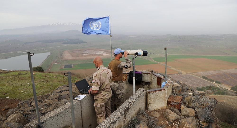 İsrail- Suriye sınırı yakınındaki İsrail işgali altındaki Golan Tepeleri'nde nöbet tutan BM askerleri