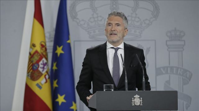Spain: Minister called to resign over migrant crisis