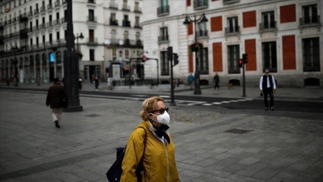 Spain: New coronavirus infections up 35% from last week