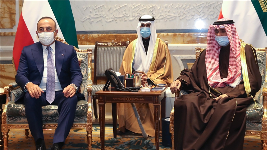 Turkey's foreign minister meets Kuwait ruler