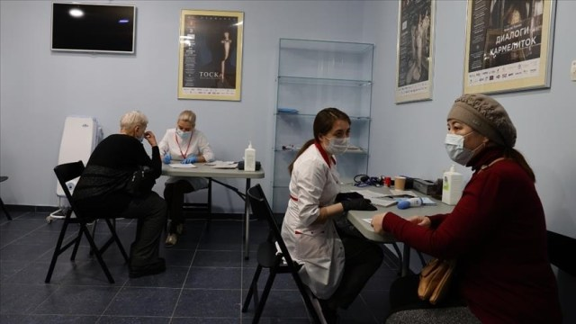 Russia's virus cases cross 4M, new infections falling