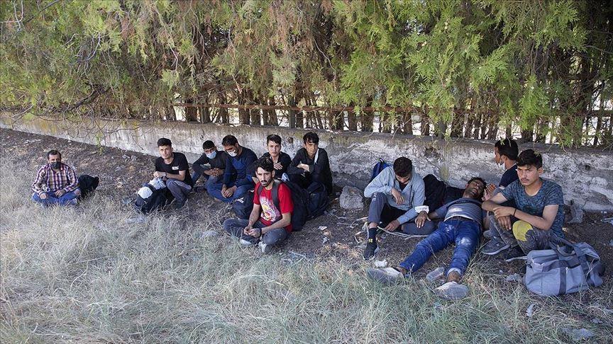 17 asylum seekers held in northwestern Turkey