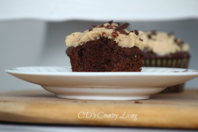 Chocolate Cupcakes with Peanut Butter Frosting4