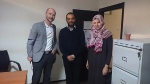 Sarah und Ameen mit Dr. Ismail Achkari B.