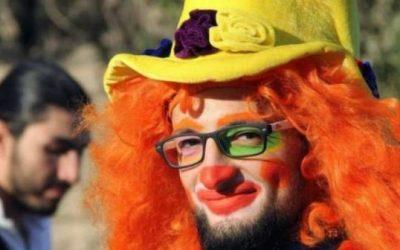 Radikal Menschsein – Eine Homage an den Clown von Aleppo Anas Al Basha
