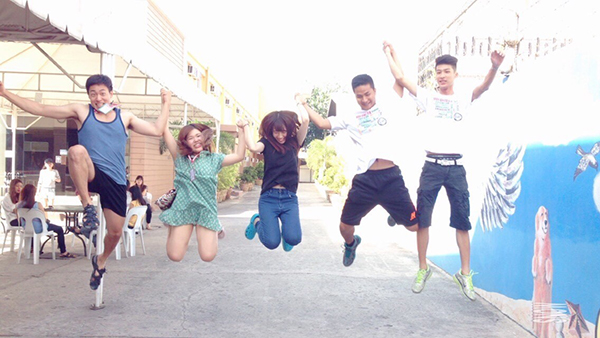 Jumping with best friends in CIA (Korea - Japan - Taiwan - Vietnam)