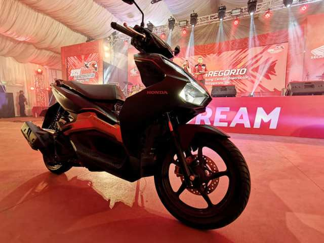 Honda PH unveils latest motorcycle model, Air Blade150, at the Riders Convention in Cebu   Cebu Finest