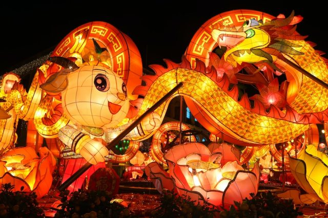 In Singapore, Malaysia, and the Philippines – three countries with many ethnic Chinese people – there are more Chinese festivals, such as lighting lanterns and dragon dances. | CebuFinest